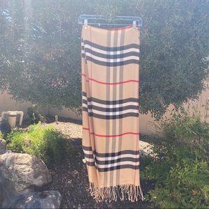Accessories - SALE ITEM! Plaid scarf